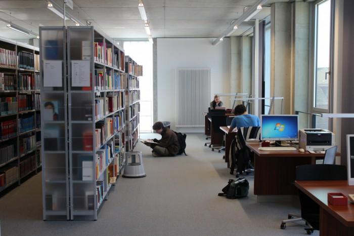 Bibliothek der Muthesius Kunsthochschule